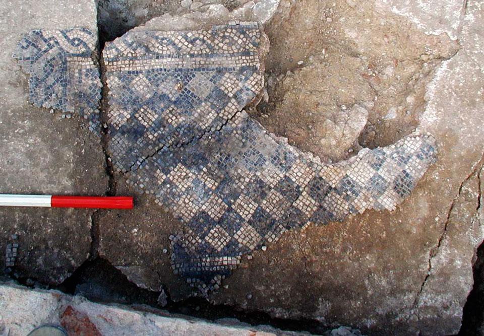 Mosaico pavimentale di età romana (Archivio Soprintendenza per i beni Archeologici del Veneto)
