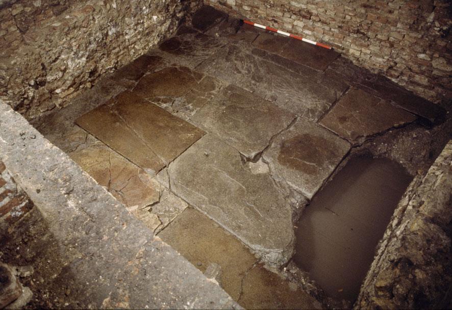 Lastre della pavimentazione (Archivio Soprintendenza per i Beni Archeologici del Veneto)